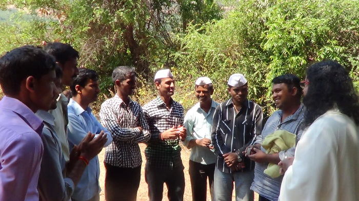 Mohanji - villagers gathered to see Him