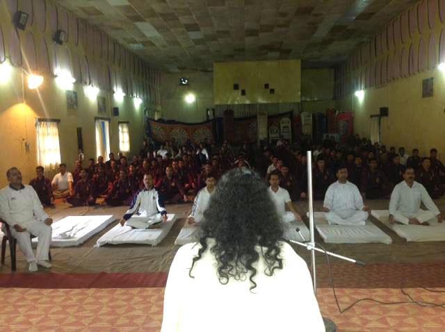 mohanji-giving-the-power-of-purity-meditation-for-the-soldiers-in-joshimath-uttarakhand