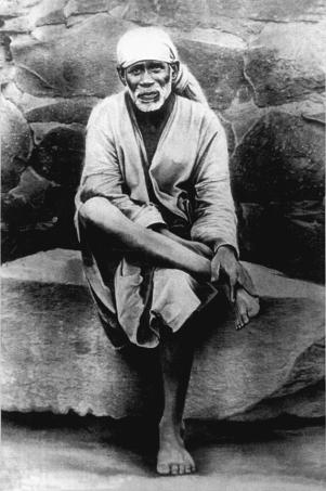 Shirdi Sai-Original-sitting-on-stone