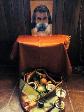 Mohanji reflecting Hanumanji. The photo was taken in the USA.