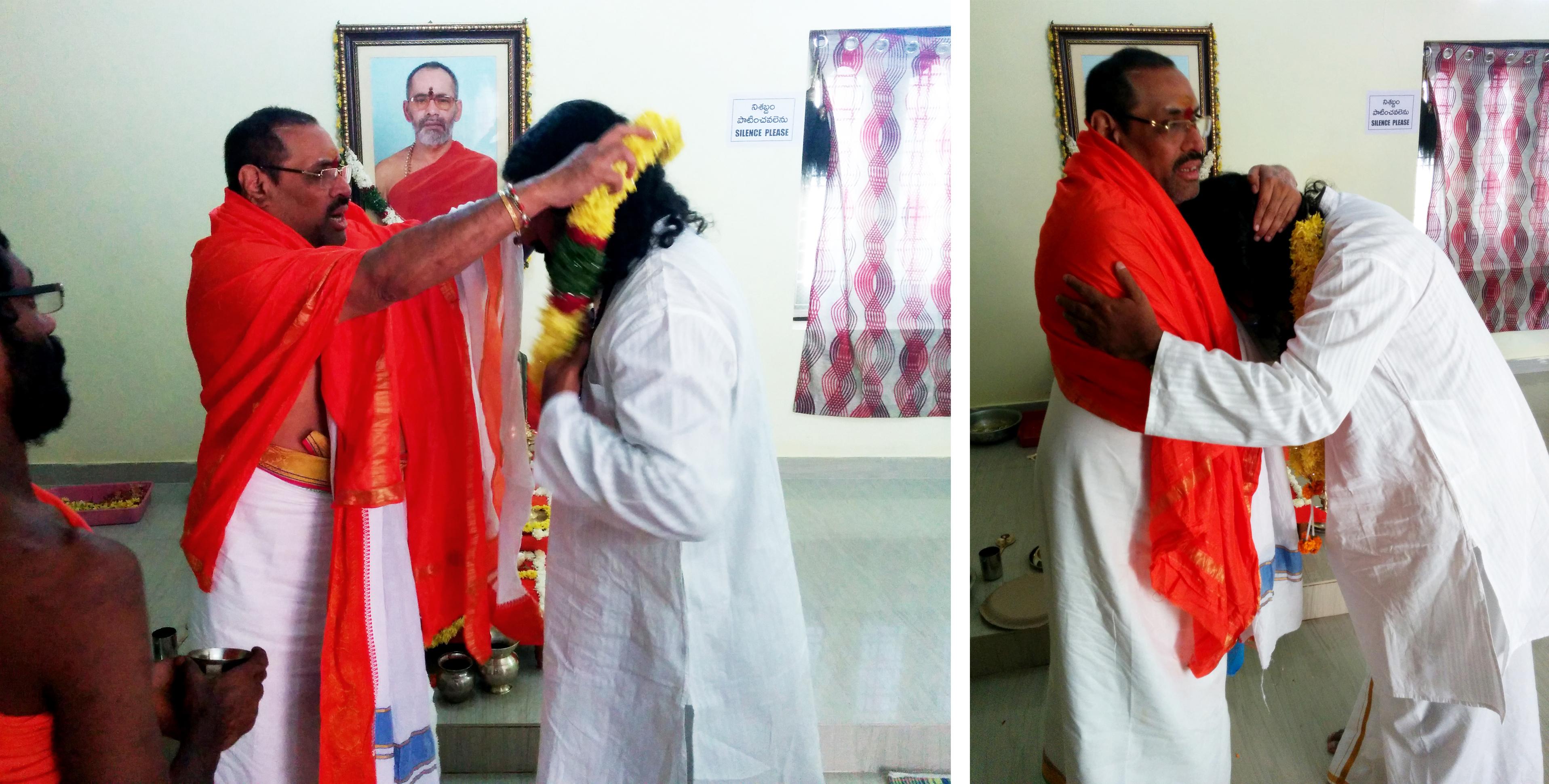 swamy-thyagananda-honouring-mohanji-love-of-the-masters