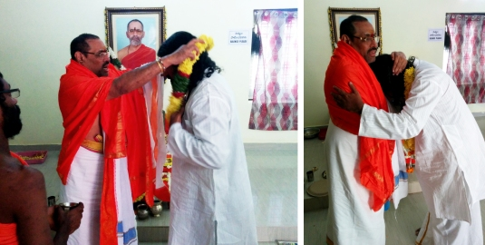 swamy-thyagananda-honouring-mohanji-love-of-the-masters