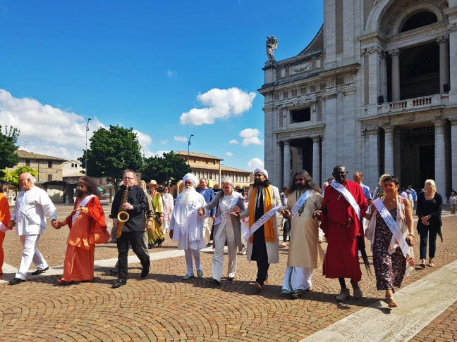 Mohanji as a peace activist in Assisi, Italy 1