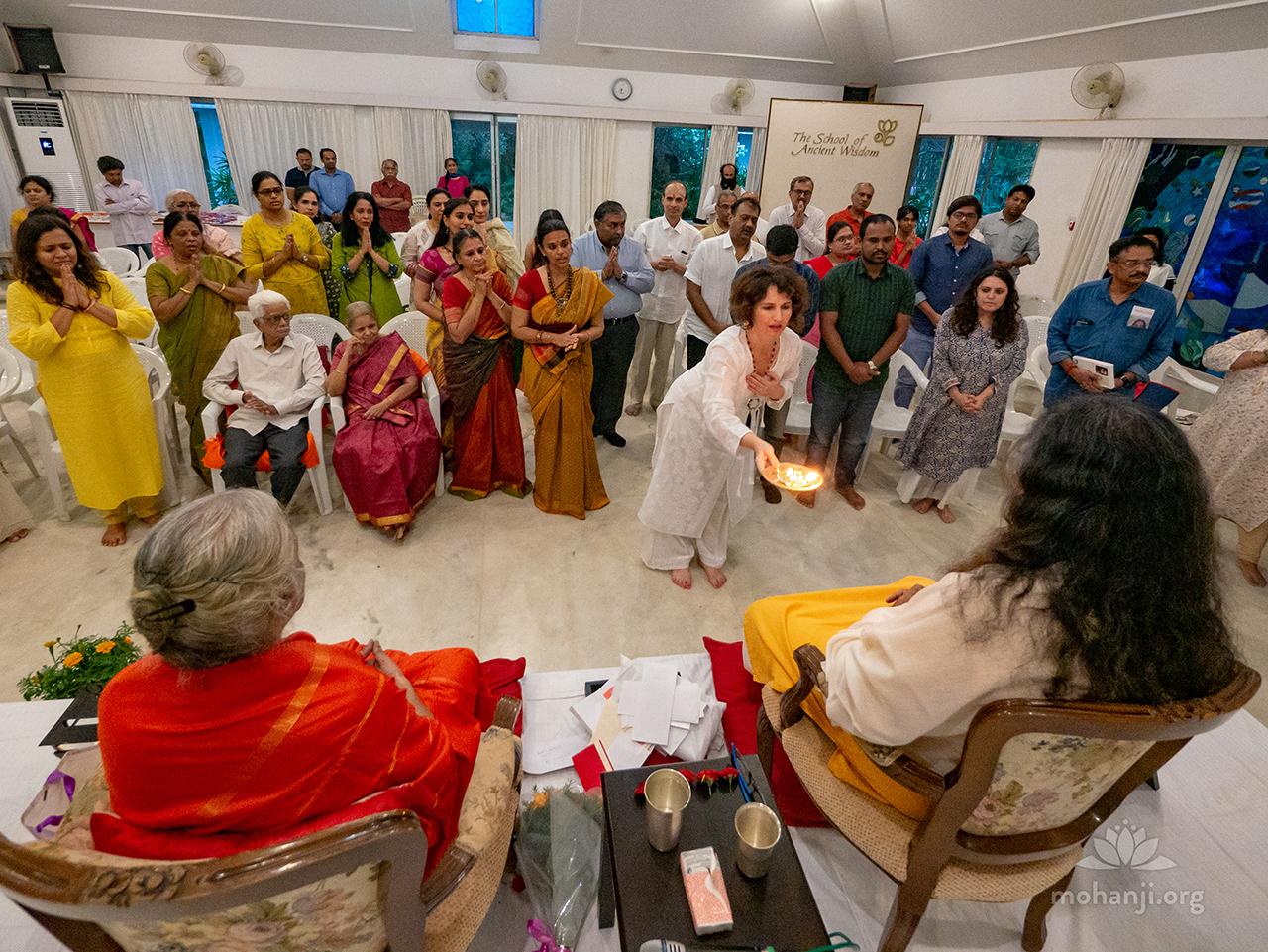 Aarati to Mohanji and Devi Amma 1280x960