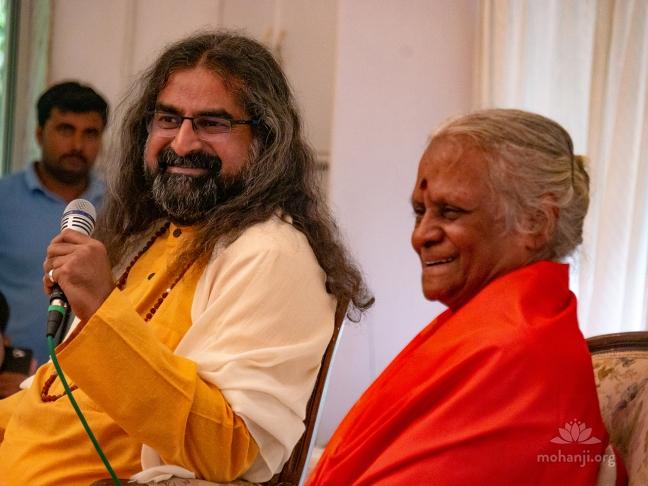 Mohanji and Devi Amma 1280x960